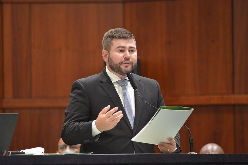 Amilton propõe lei para garantir segurança no retorno às aulas