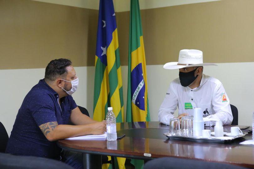 Amauri Ribeiro busca regularização fundiária em Goiás no Incra