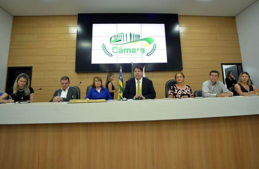 Sessão especial itinerante em homenagem ao Dia Nacional dos Professores