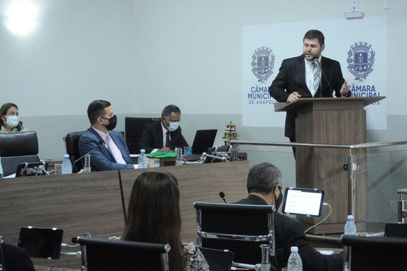 Deputado Amilton Filho apresenta o que já conquistou para Anápolis em visita à Câmara Municipal