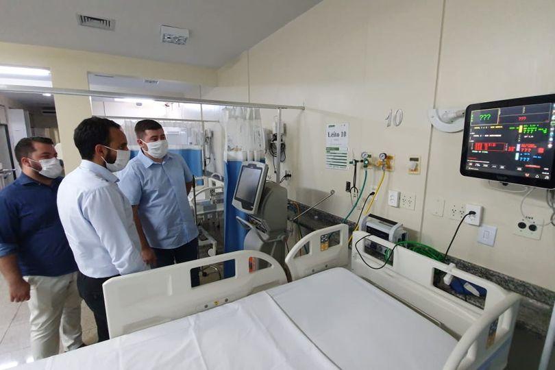 Amilton Filho acompanha abertura de 18 novos leitos de UTI para tratamento de covid-19 no Huana