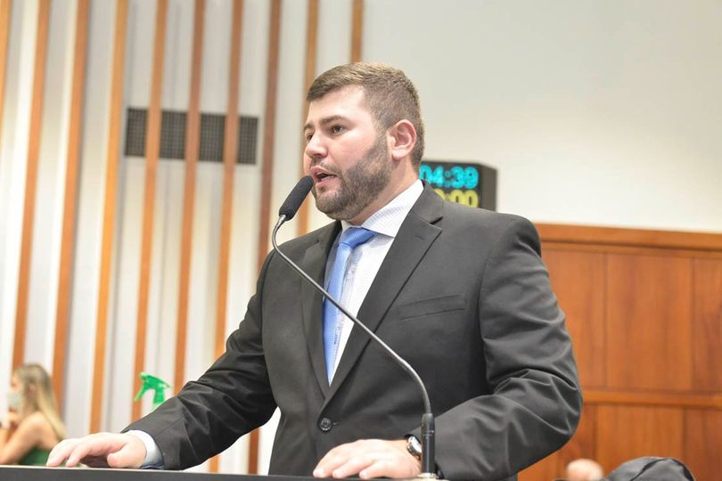 Amilton Filho promove debate sobre a importância do retorno das aulas presenciais para os alunos de Goiás