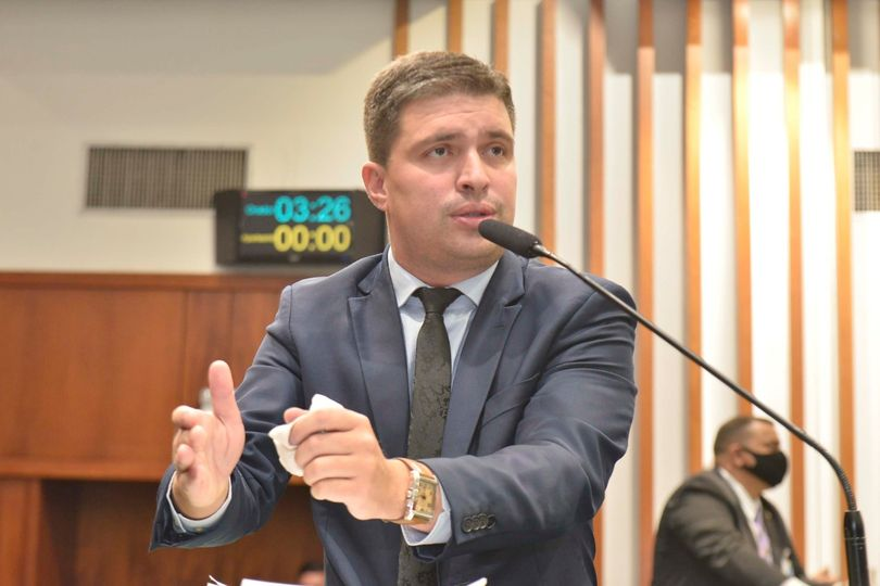 Delegado Humberto Teófilo anuncia vagas para concursos públicos em Goiás
