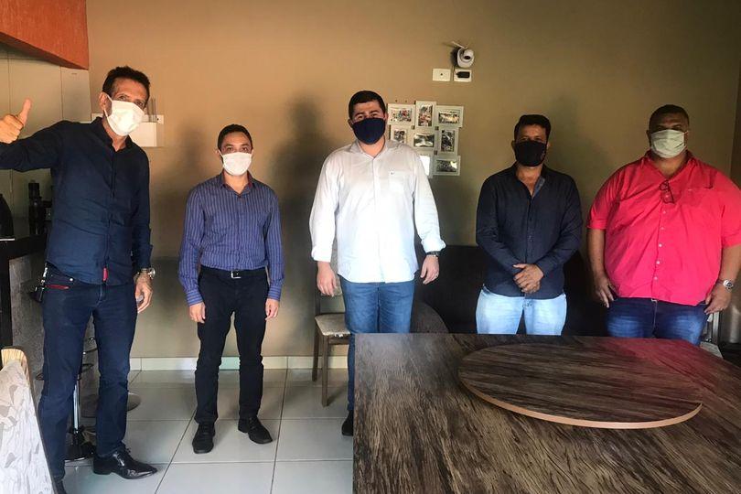 Amilton Filho visita Rubiataba e se compromete com a população