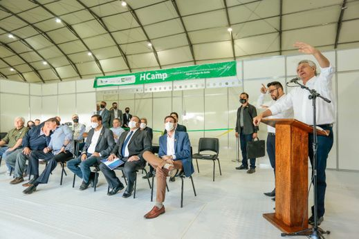 Presidente participa da abertura do hospital de campanha em Aguas Lindas de Goiás