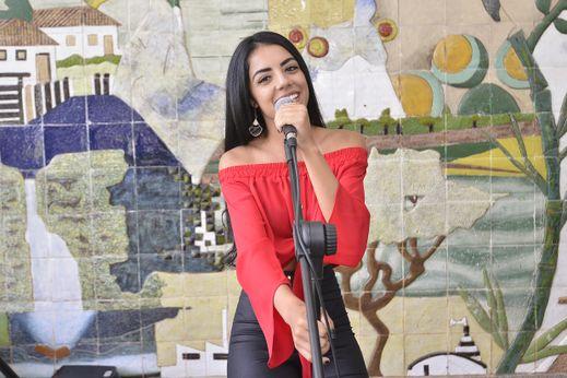Prossegue atividades do Natal do Amanhã, com apresentação da dupla Débora Moura e Daniela