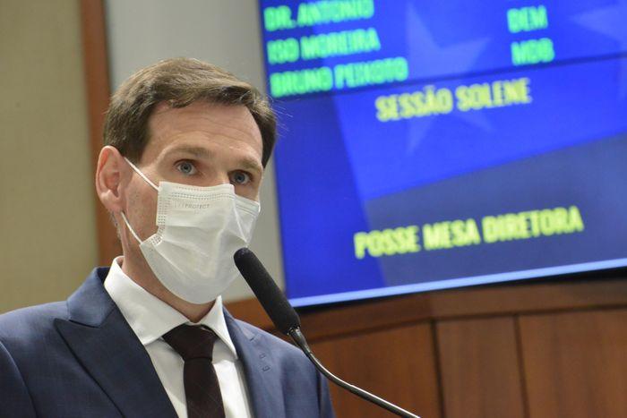 Presidente Lissauer Vieira discursa na sessão solene de posse da Mesa Diretora