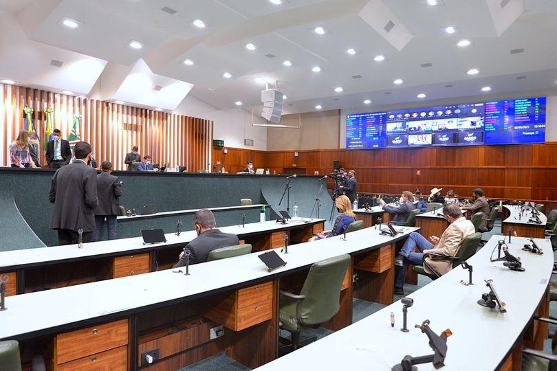 Alego aprova alteração no Estatuto do Magistério e venda de áreas
