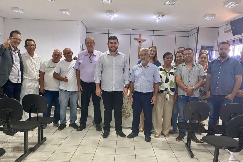Pires do Rio recebe emenda de Amilton Filho para a Saúde e parlamentar se reúne com lideranças