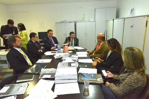 Reunião da CPI discute coleta de documentação