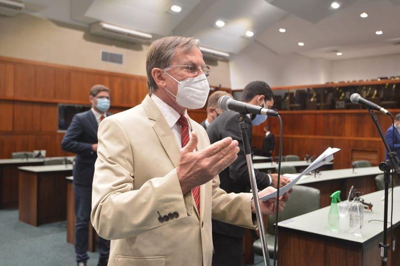 Gomide vota contra matéria que abre brecha para a privatização da Saneago