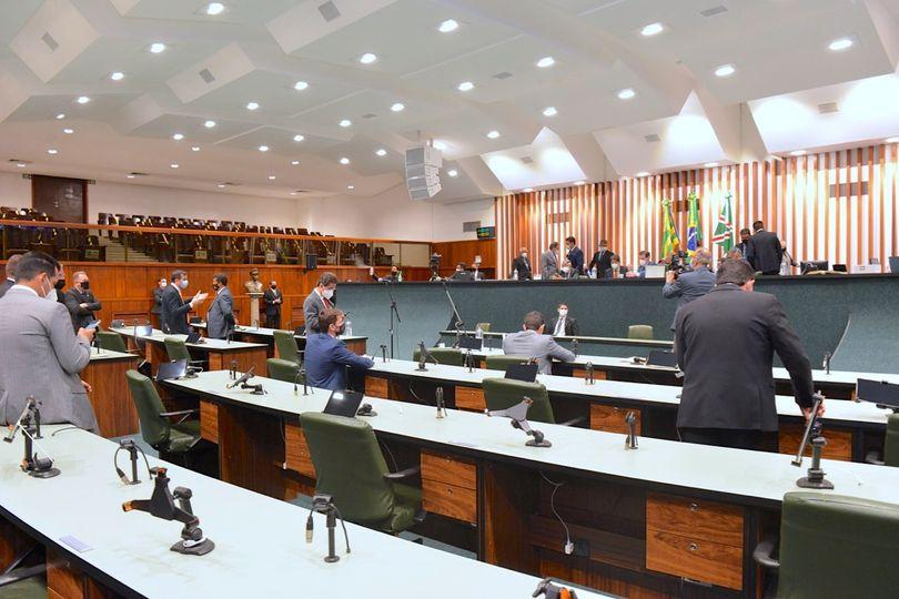 Deputados avaliam como positivo o 1° semestre, pela produtividade e firmeza de Lissauer Vieira na condução da Alego